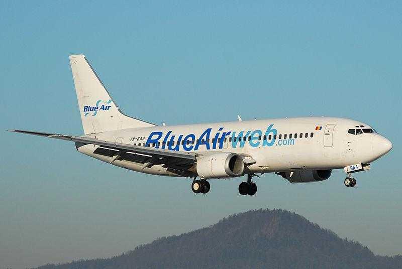 Blu_Air_B737-300_YR-BAA