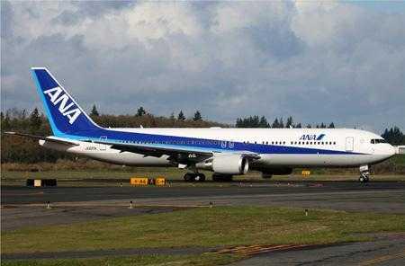 Boeing_767-381ER_ANA