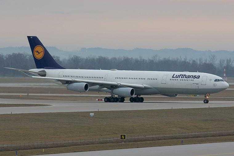 Lufthansa_A340_300