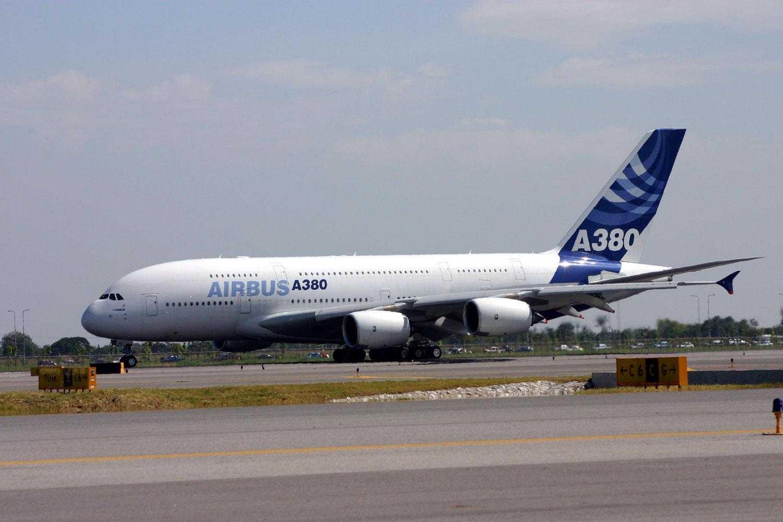 AirbusA380-2435