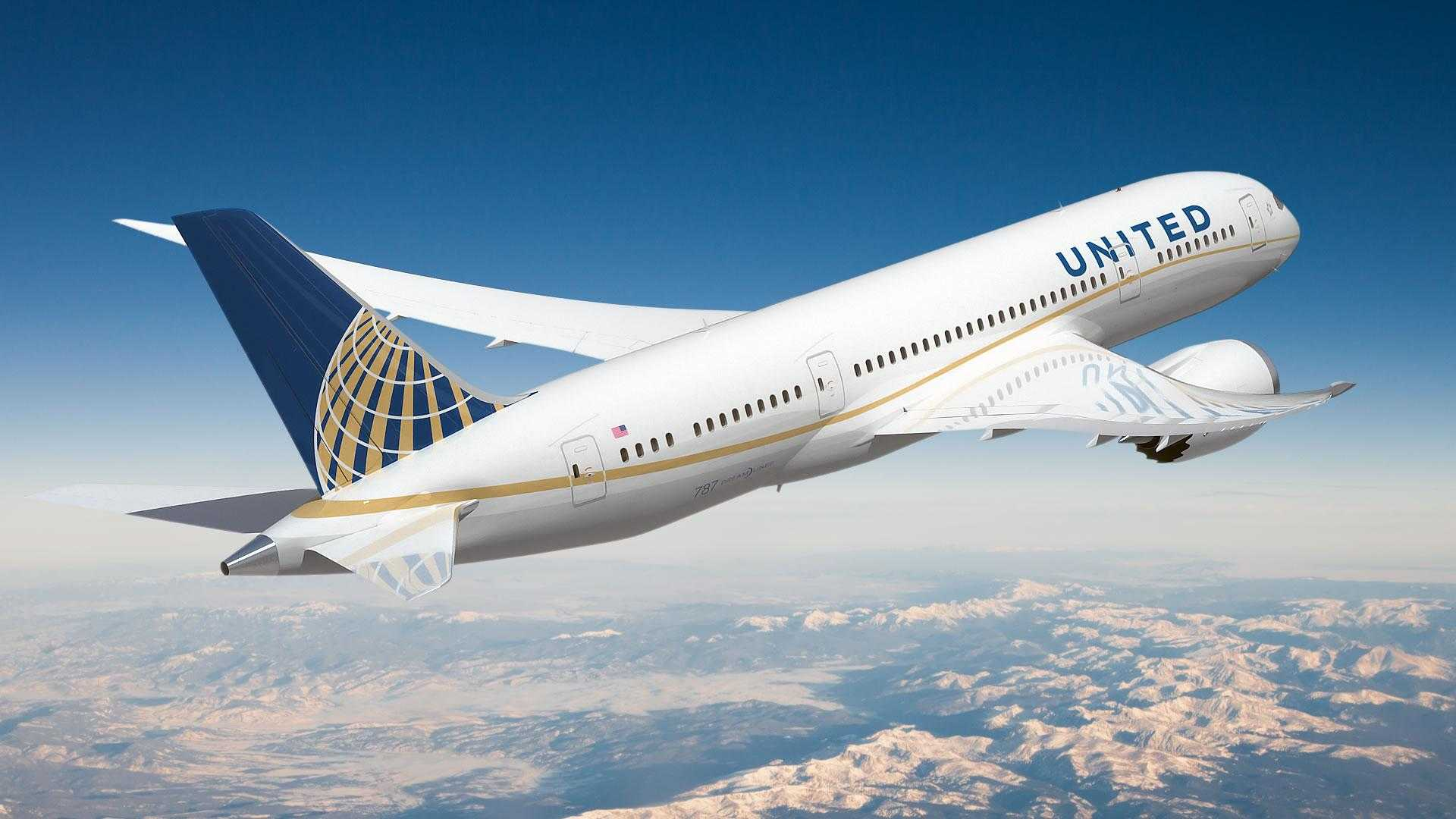 United_787_800_RR_united