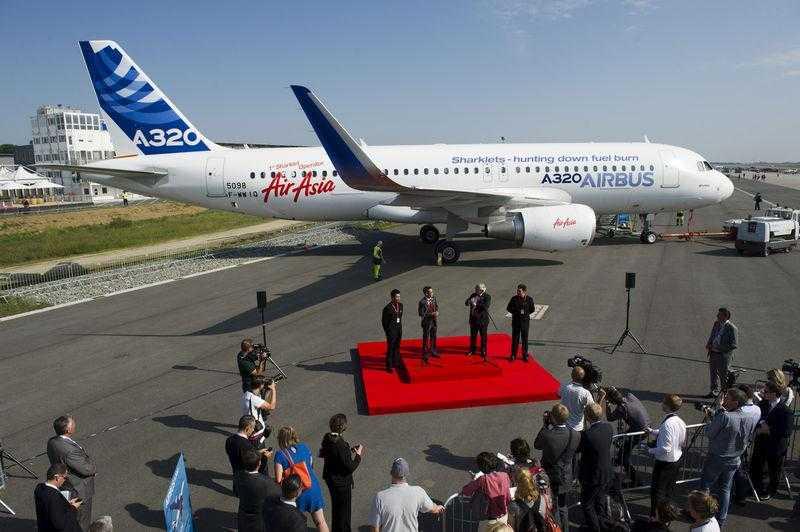 ILA_09_A320_Air_Asia_ceremony