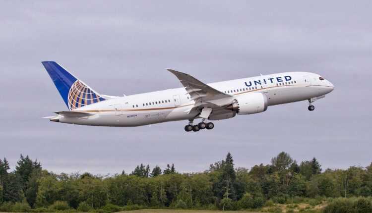 Zborul UA890 a decolat pe 1 ianuarie 2017 și a aterizat pe 31 decembrie 2016