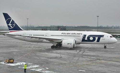 boeing 787 lot prague
