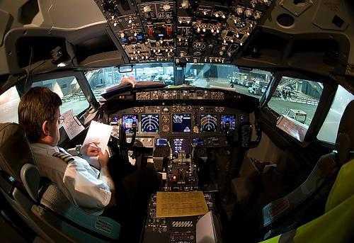 cockpit Boeing 737
