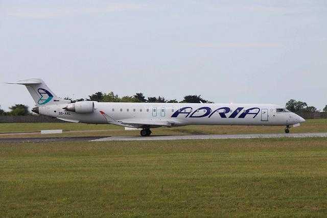 Bombardier CRJ900LR Adria