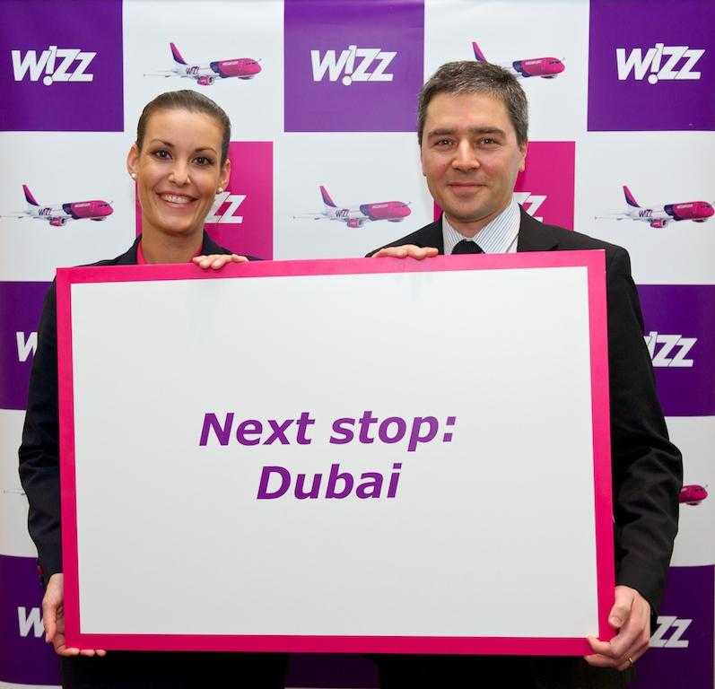 Gyorgy Abran - Chief Commercial Officer Wizz Air si Zsuza - cabin crew Wizz Air