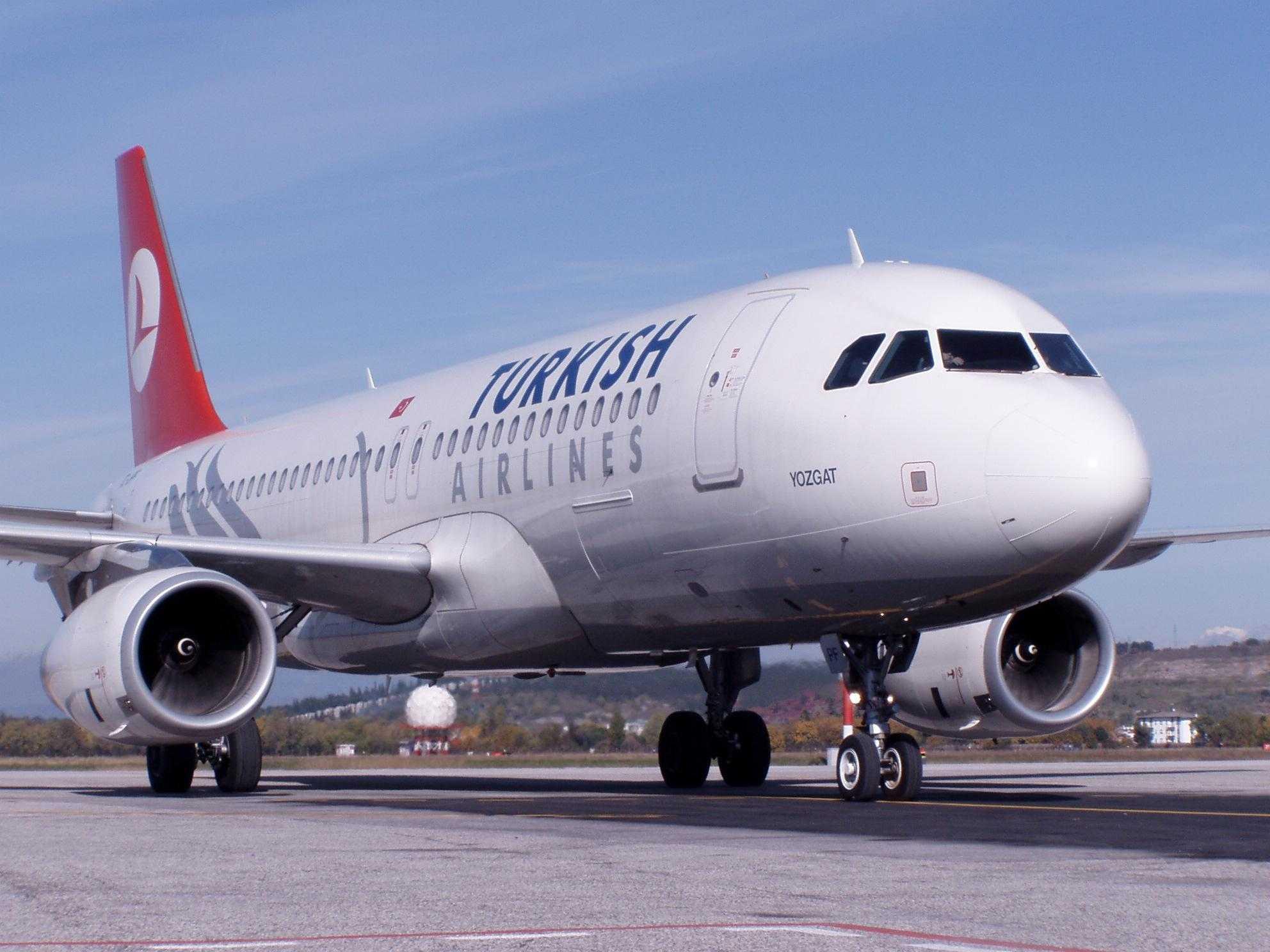 Istanbul - Bari cu Turkish Airlines