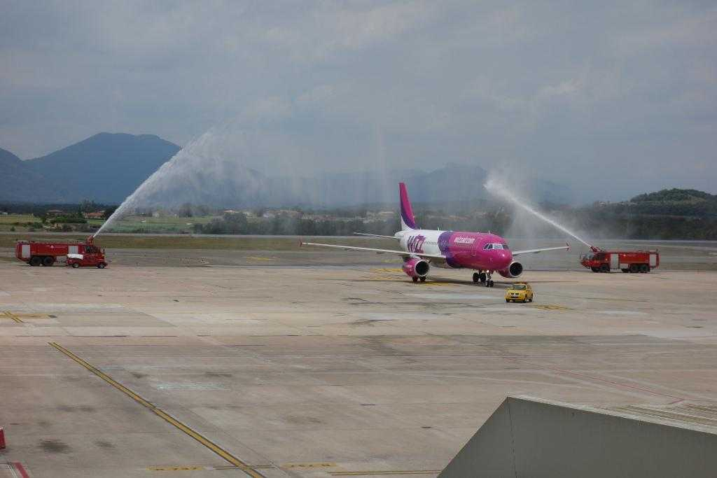 Wizz Air in Girona - water tune
