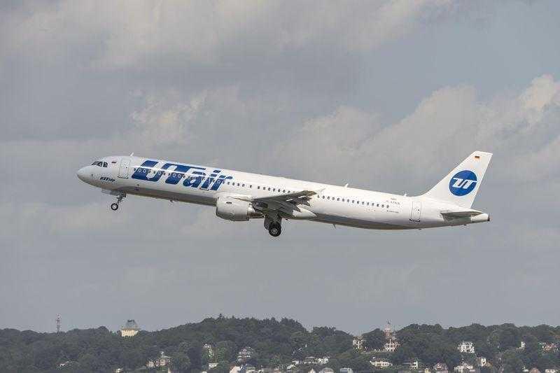 Airbus_A321_UTair