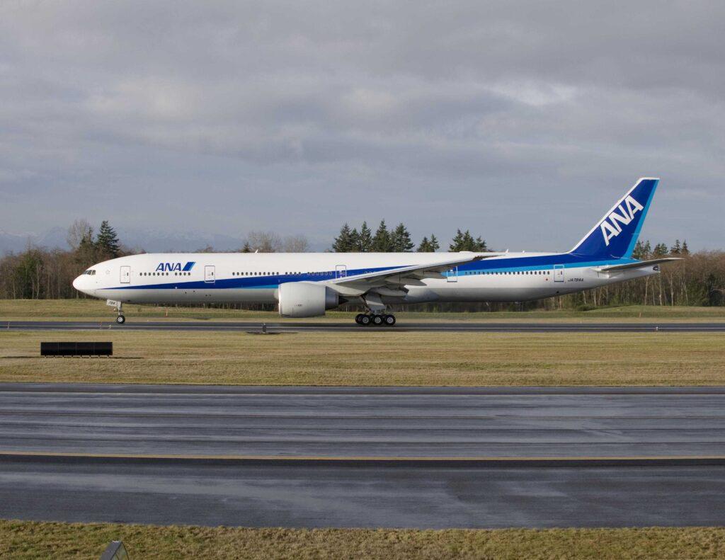 777-300ER ANA # 833-WE001