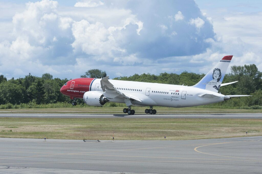 Norwegian Air takeoff - June 13, 2013