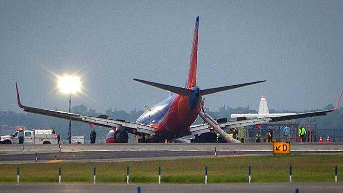 Southwest_Airlines_Boeing_737-700_LaGuardia_4