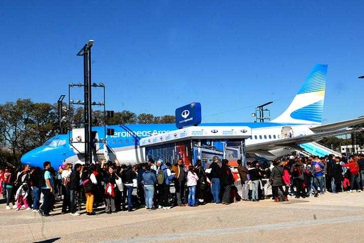 Aerolíneas Argentinas, 737-200-LV-Zyg-10grd-Buenos Aires aerolineaslr_1