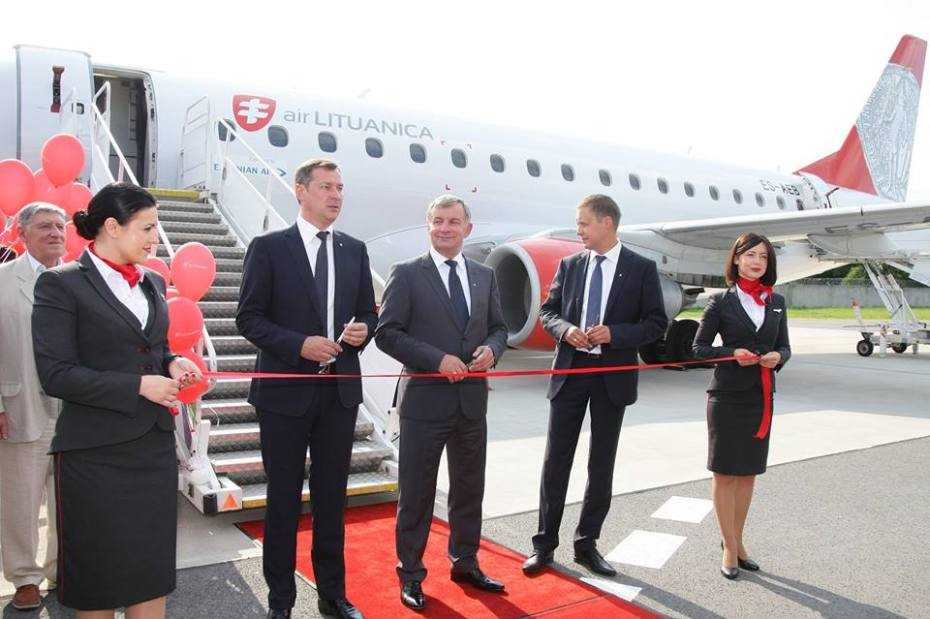 air-lituanica-ribbon-cutting-air-lituanicalr