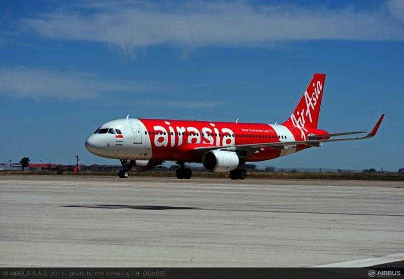 Aeronava_8000_Airbus_A320_AirAsia