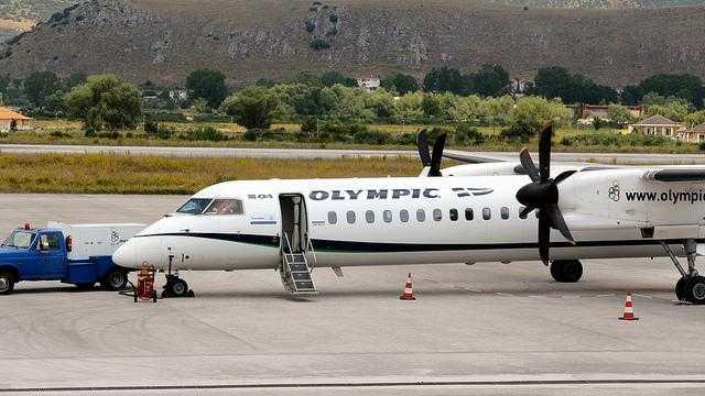 Olympic Air Bombardier Dash-8 Q400