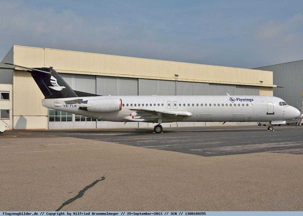 Valahia_Air_Fokker_100_YR_FLW