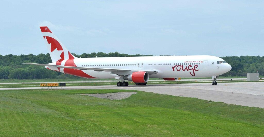Boeing 767-300ER AIR CANADA ROUGE