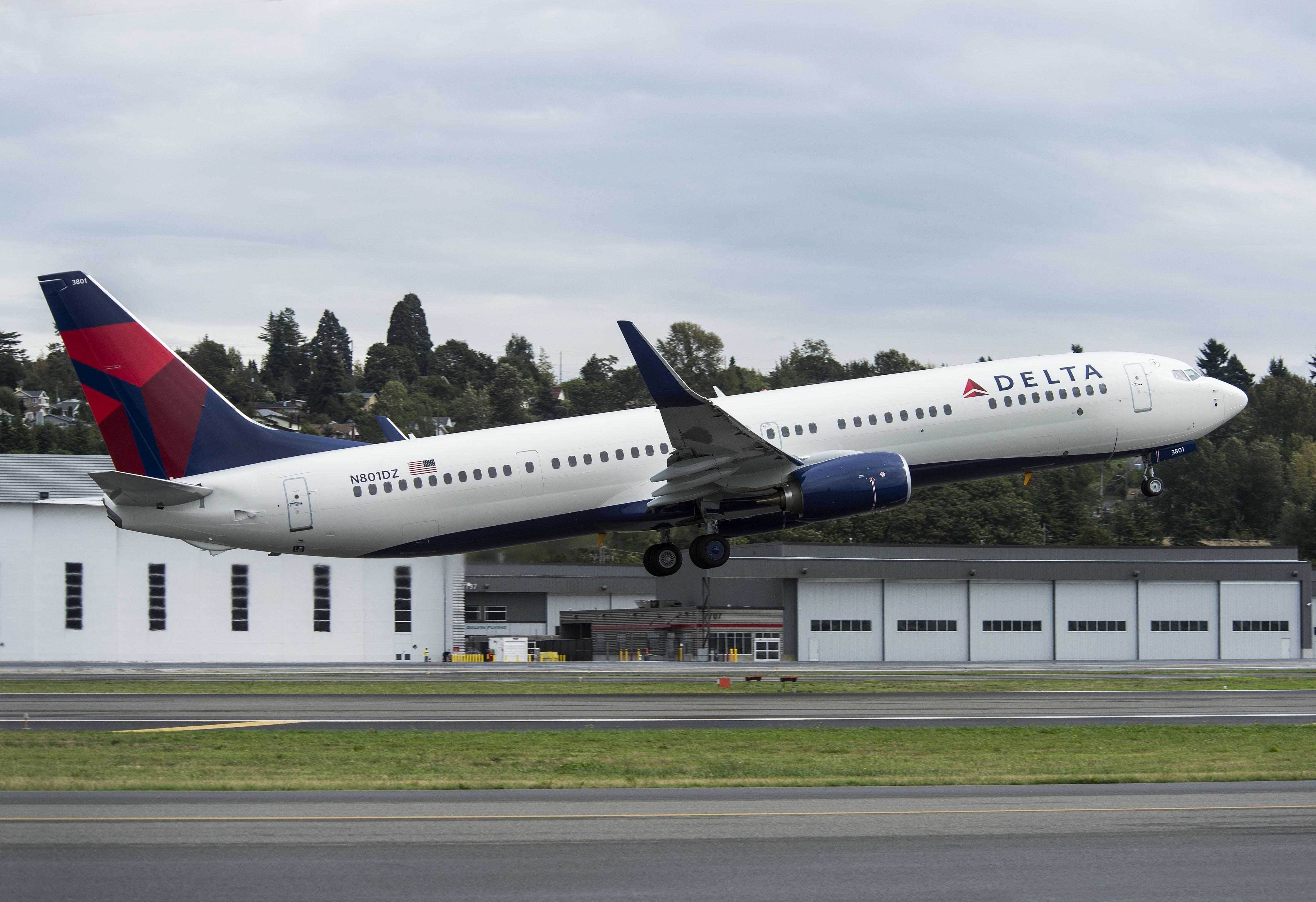 Boeing 737-900 Delta Air Lines