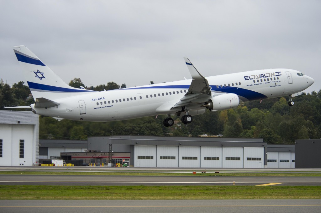 El Al Israel Airlines YH901 4632 (ELA) 737-900 Exteriors and Take off