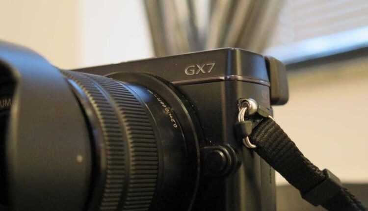 Panasonic LUMIX DMC-GX7 disponibil în România