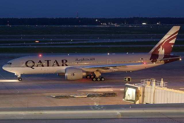 Qatar Airways 777-200LR