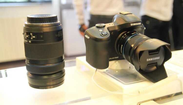 Samsung GALAXY NX – primul aparat foto mirrorless cu Android şi 4G (video)