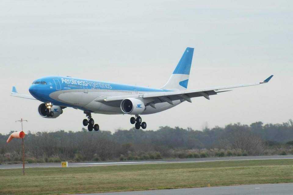 aerolineas_argentinas_A330_200