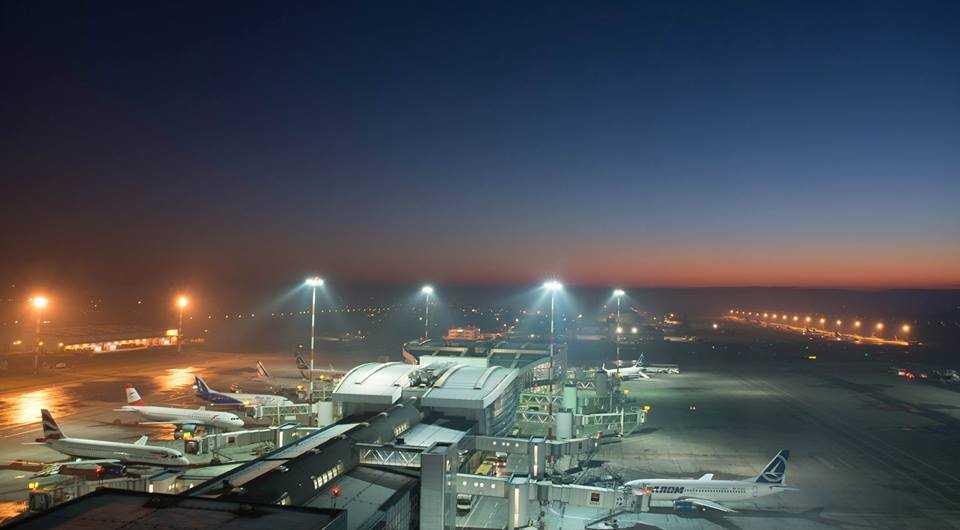 aeroportul OTP din turn