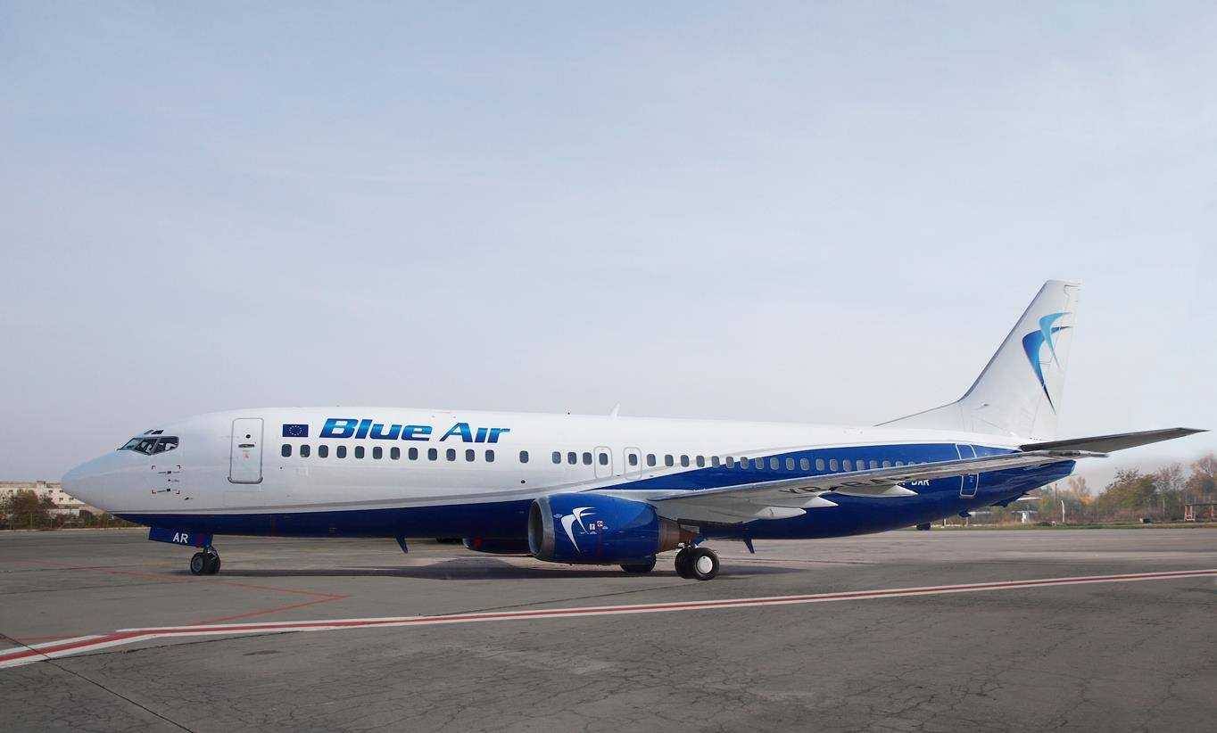 Boeing 737-400 Blue Air