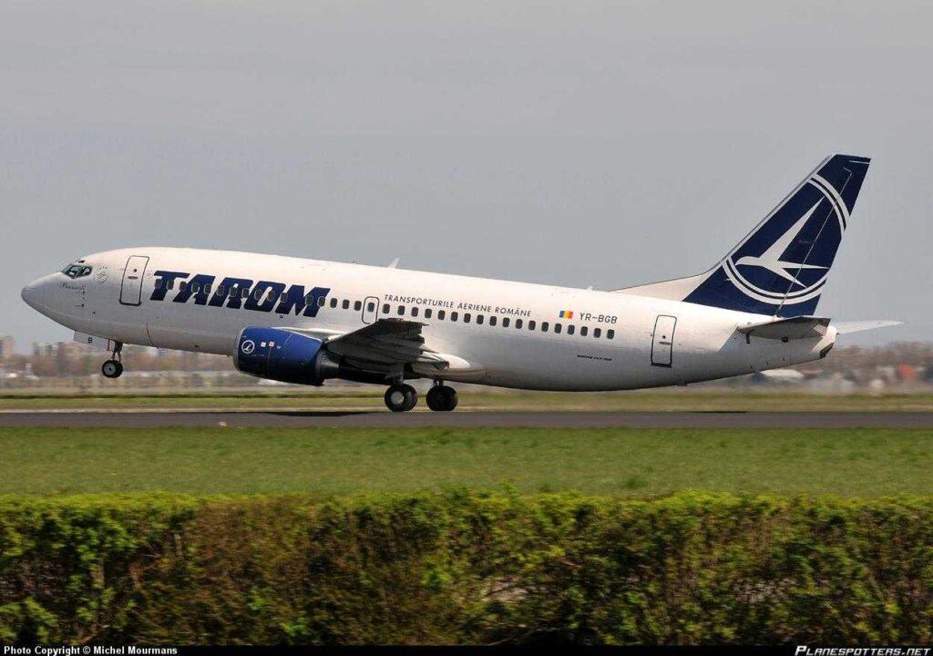 YR-BGB-TAROM Boeing 737-300