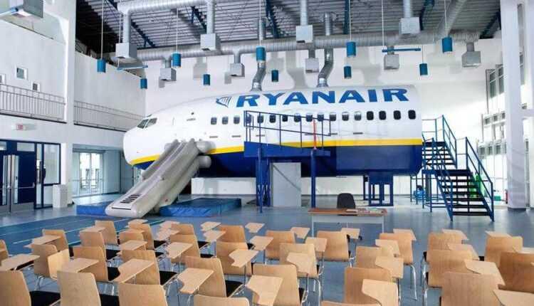 Ryanair face recrutări la Bucureşti
