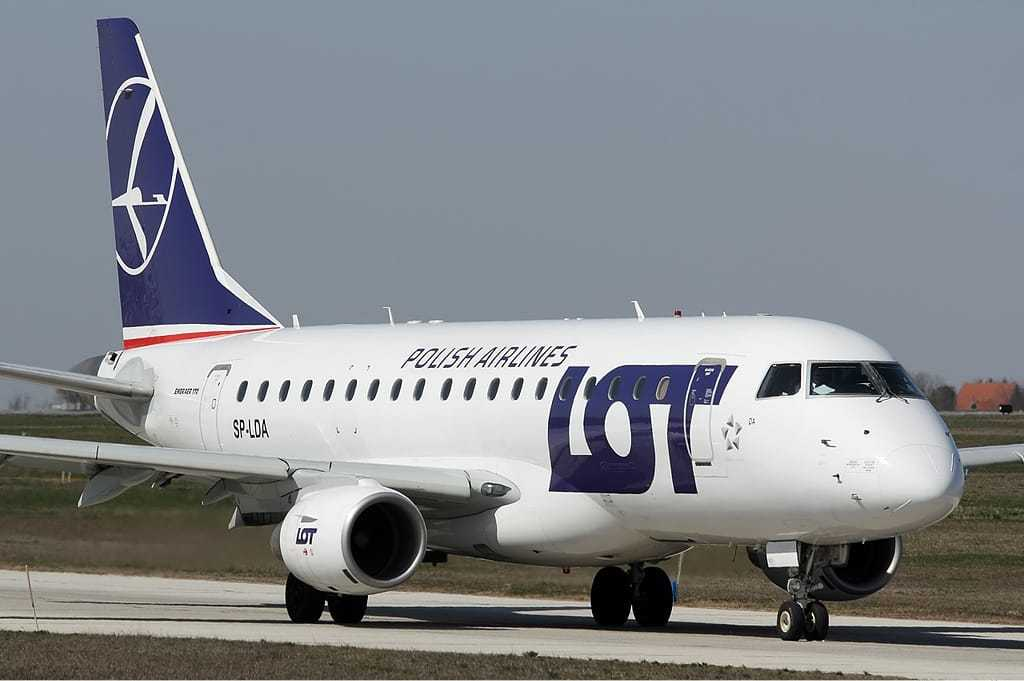 LOT_Embraer_170