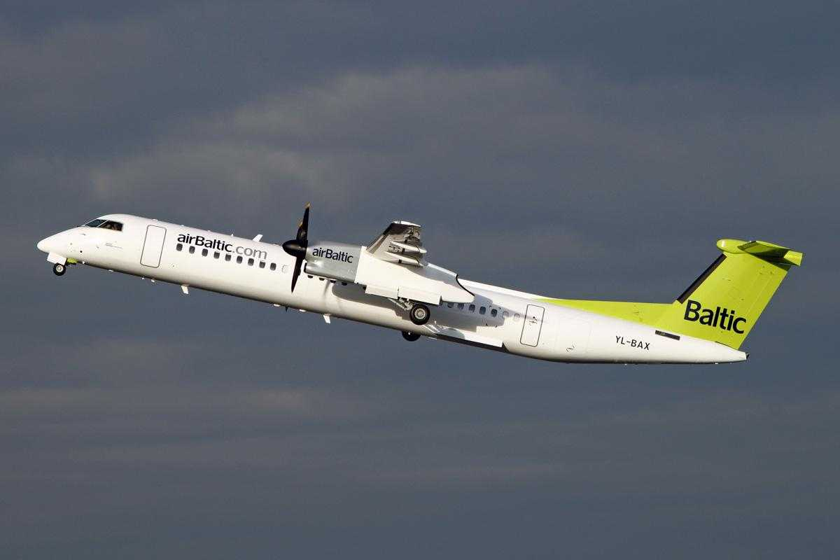 Air Baltic - Bombardier DHC-8-402 Q400