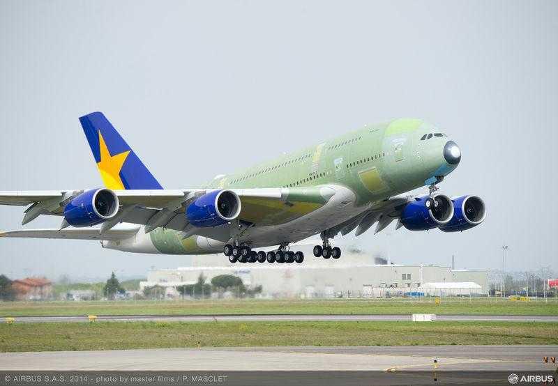Airbus_A380_Skymark_take_off_maiden_flight