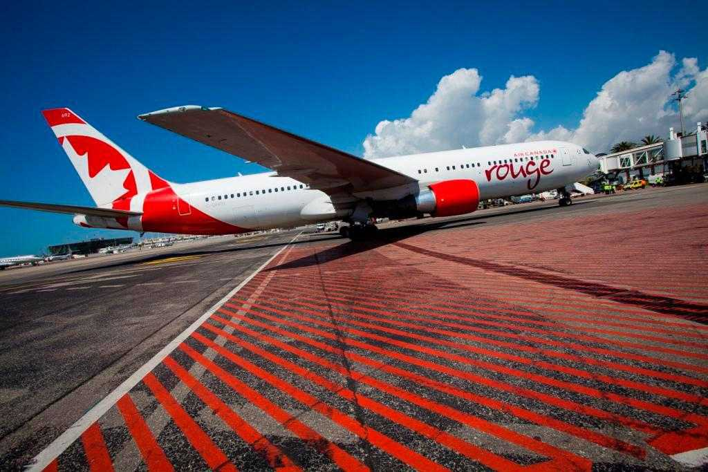 AIR CANADA ROUGE - Air Canada rouge launches new service from Mo