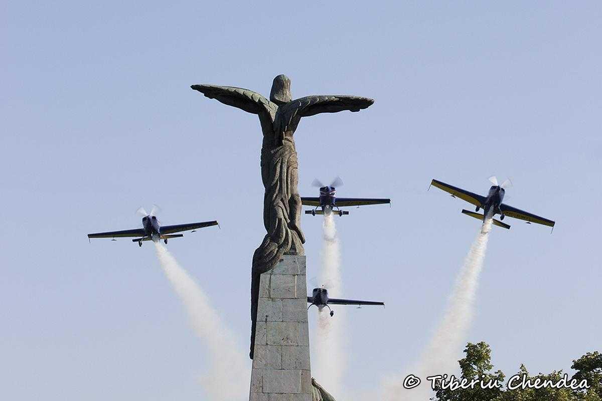 ziua_aviatiei_2014_Statuia_Aviatorilor_012