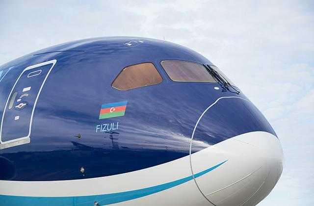 Azerbaidjan_Airlines_787_Dreamliner_3
