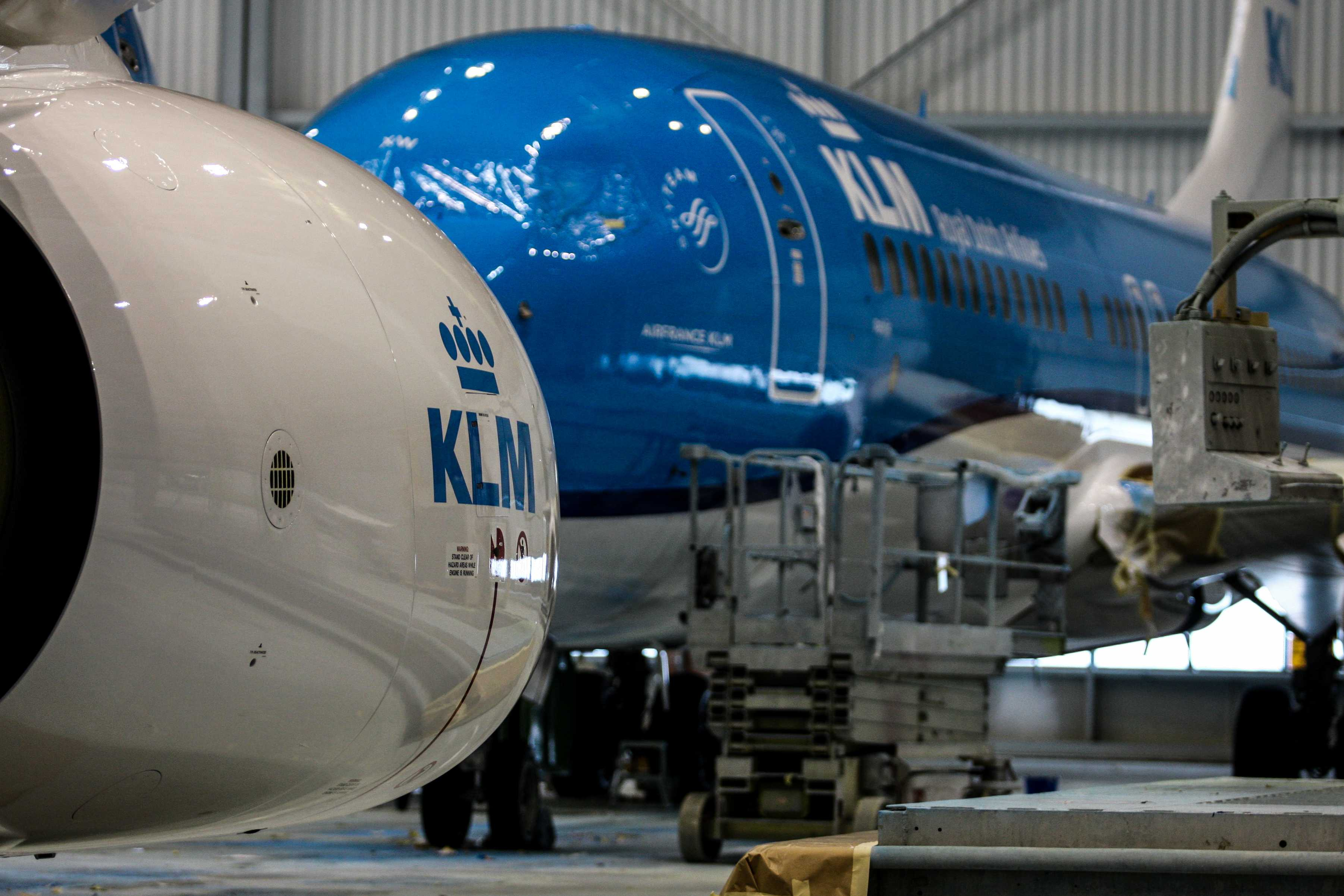Boeing_737_KLM_livery_3