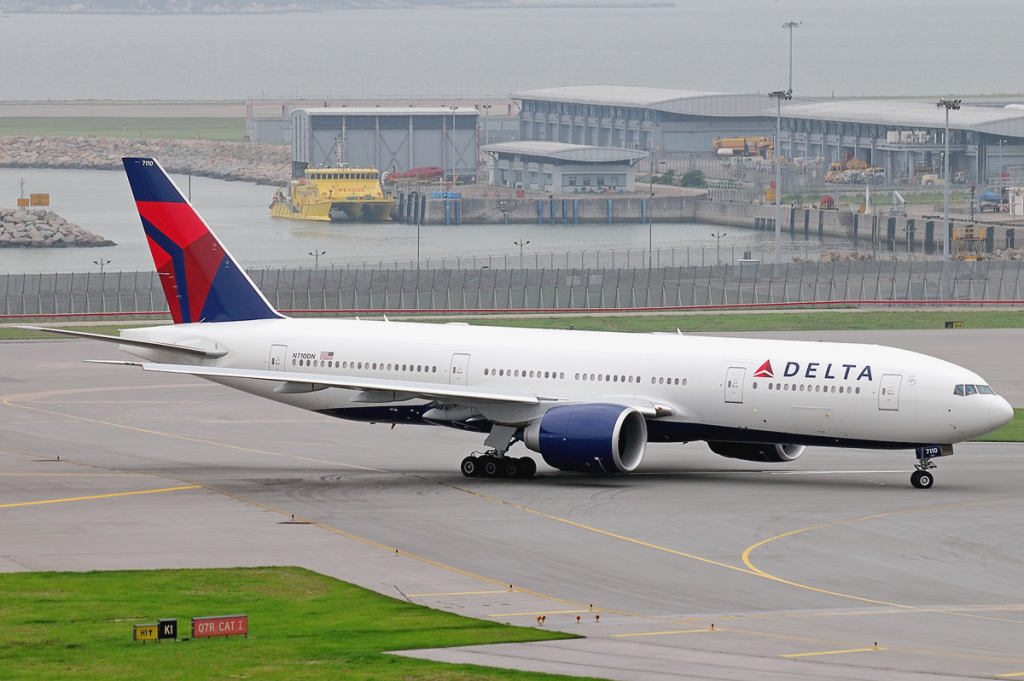 Delta_Air_Lines_Boeing_777-200LR