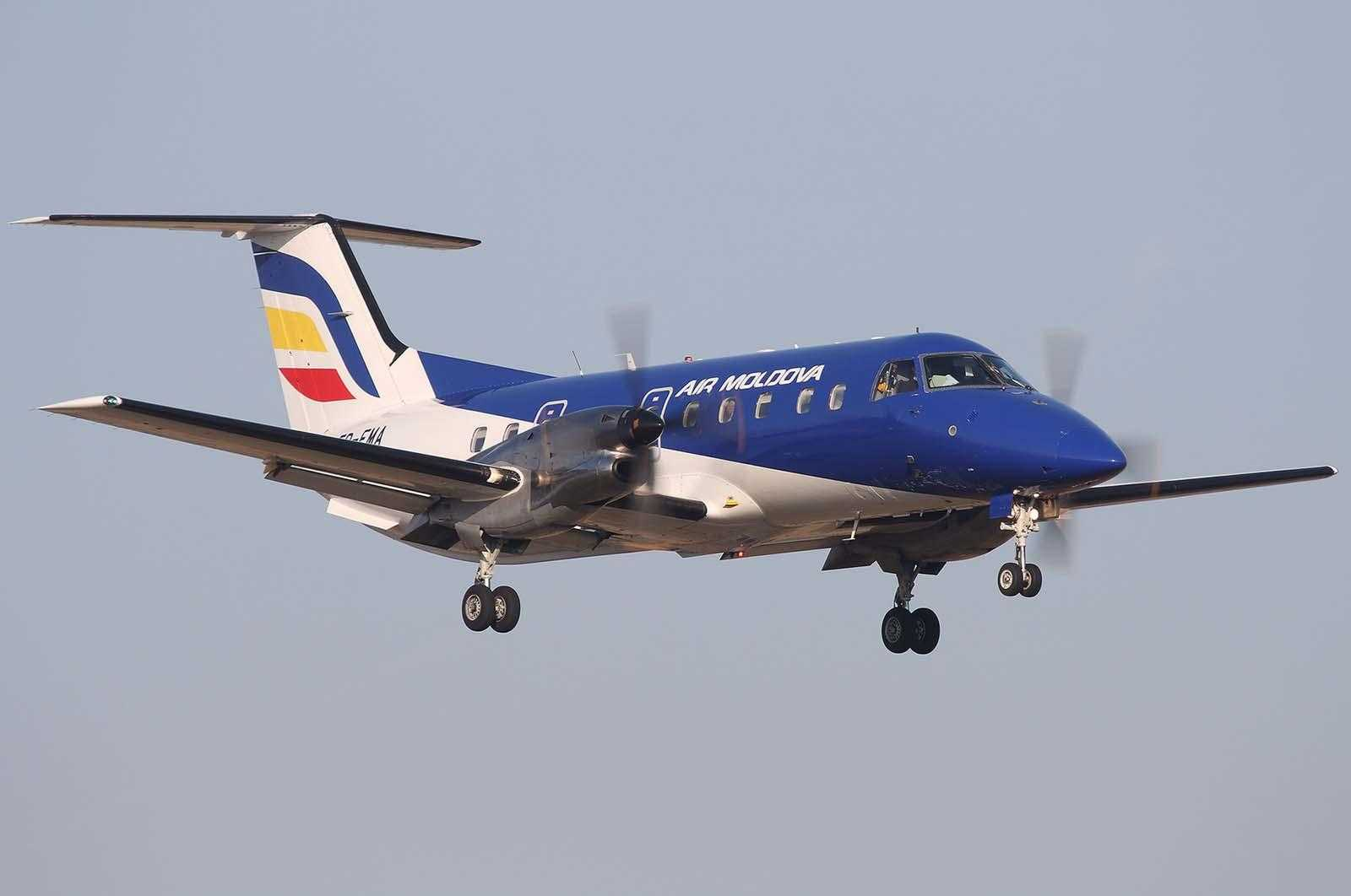 Air_Moldova_Embraer_120_(ER-EMA)