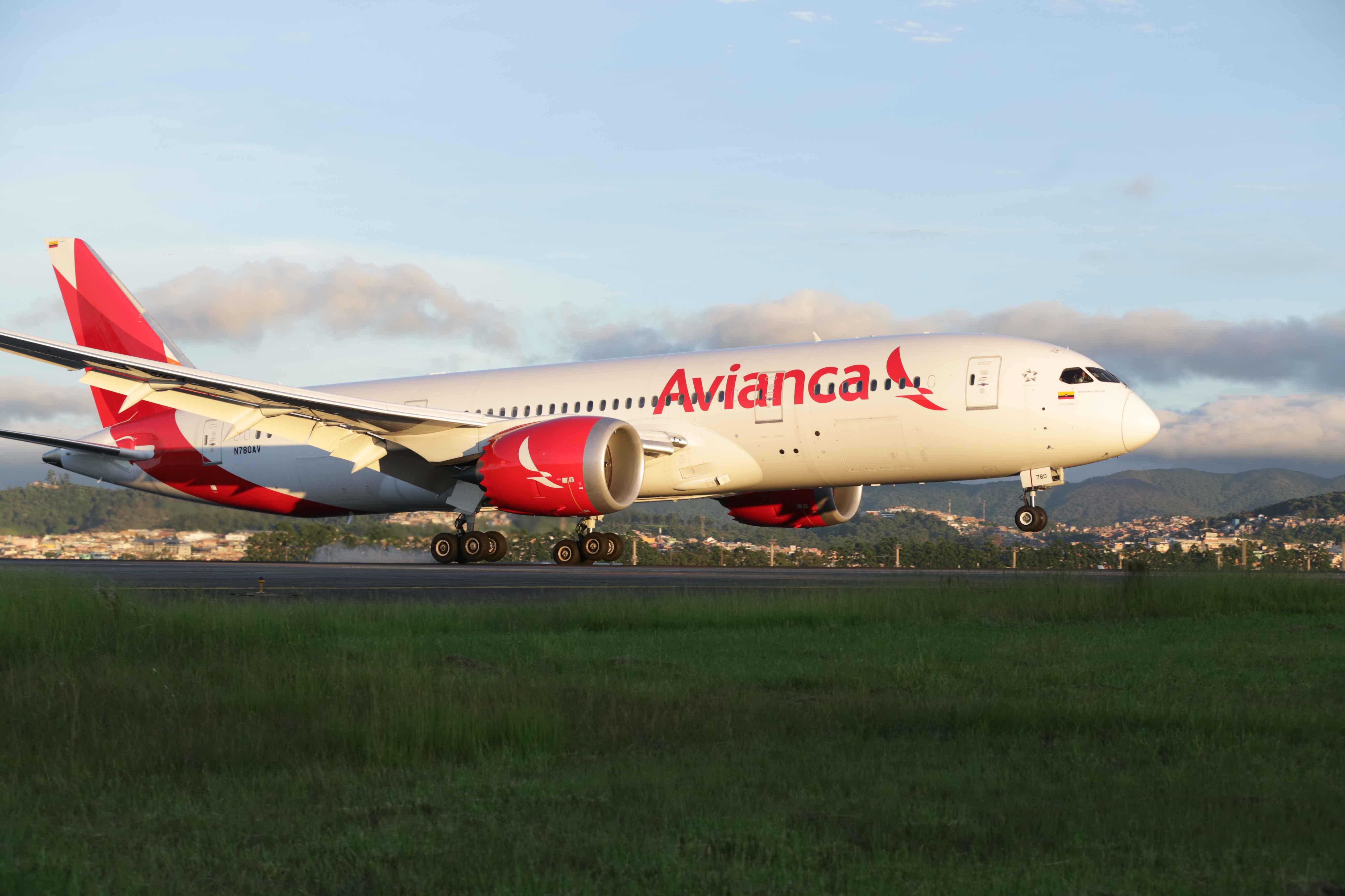 Avianca-Boeing-787-Dreamliner-Sao-Paulo