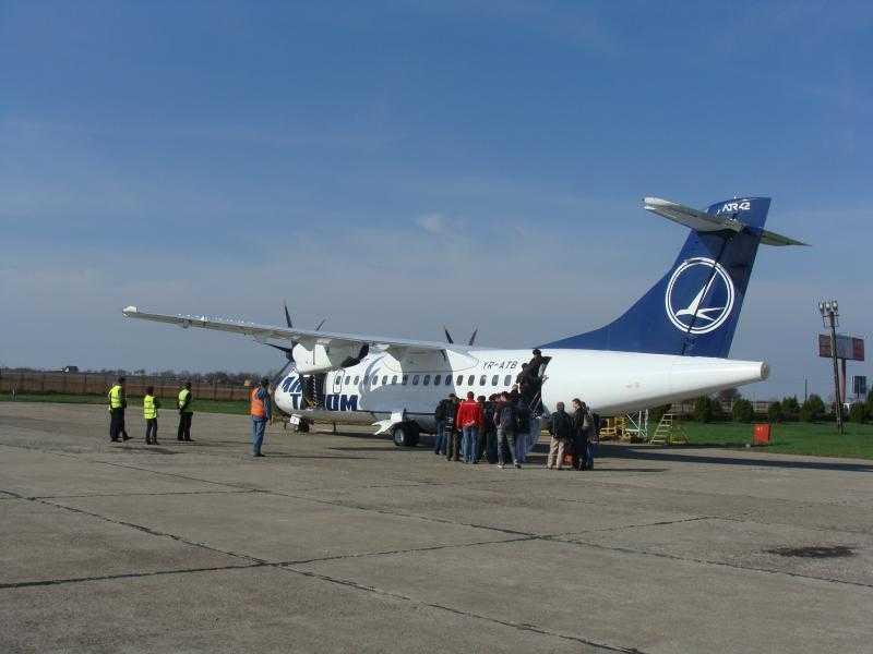 Avion_Aeroport_Oradea