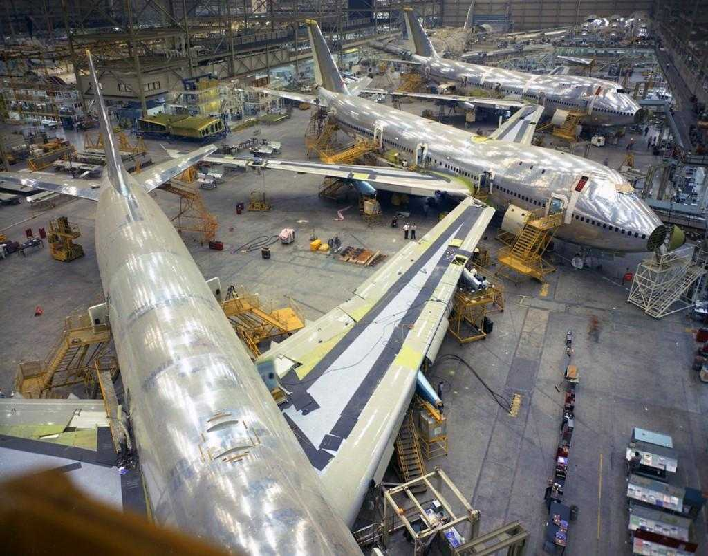 Boeing-747-Assembly-1969