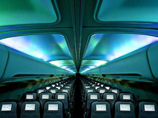 Icelandair-757-200-Hekla_Aurora-cabin