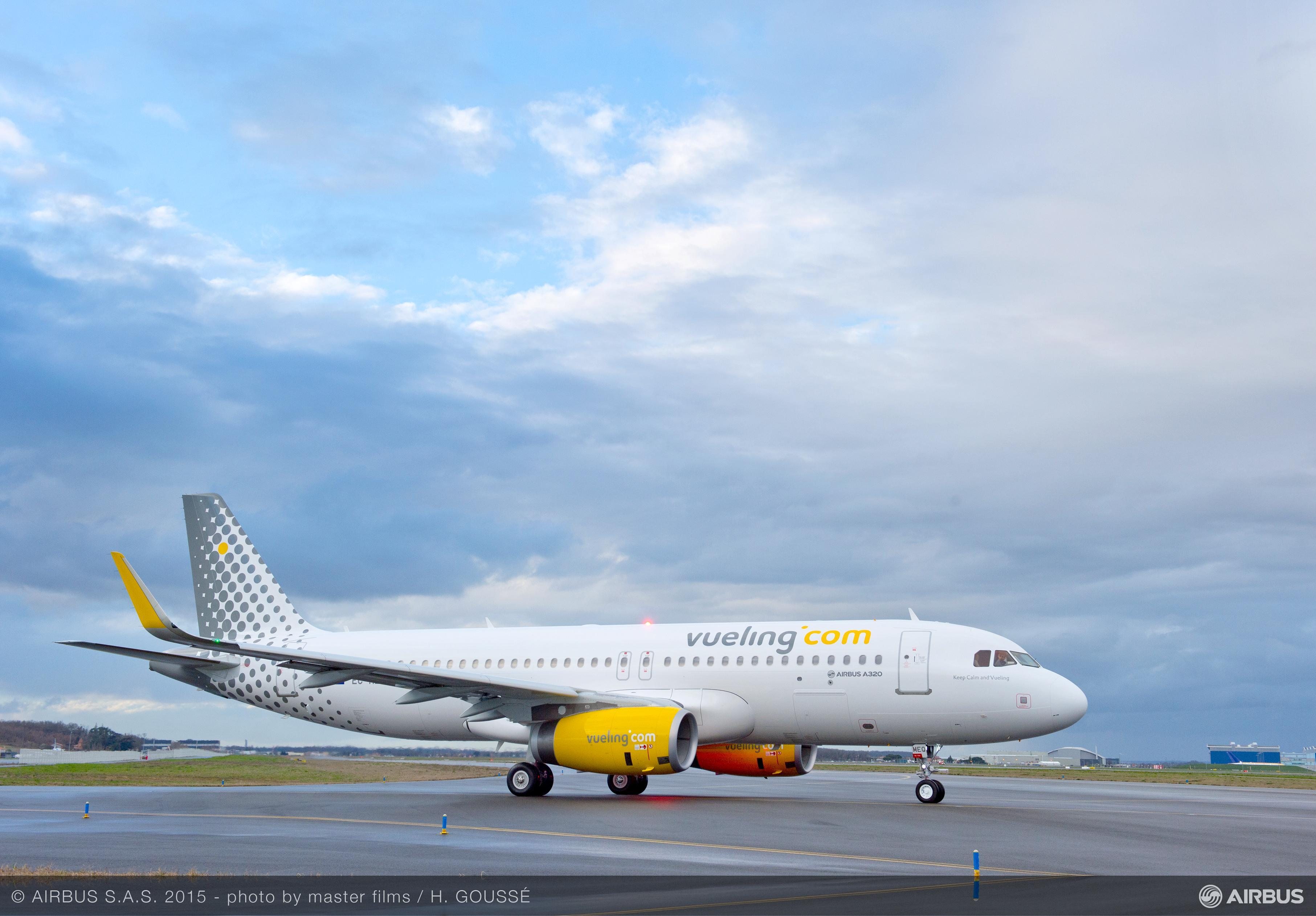 A320_Vueling__taxiing