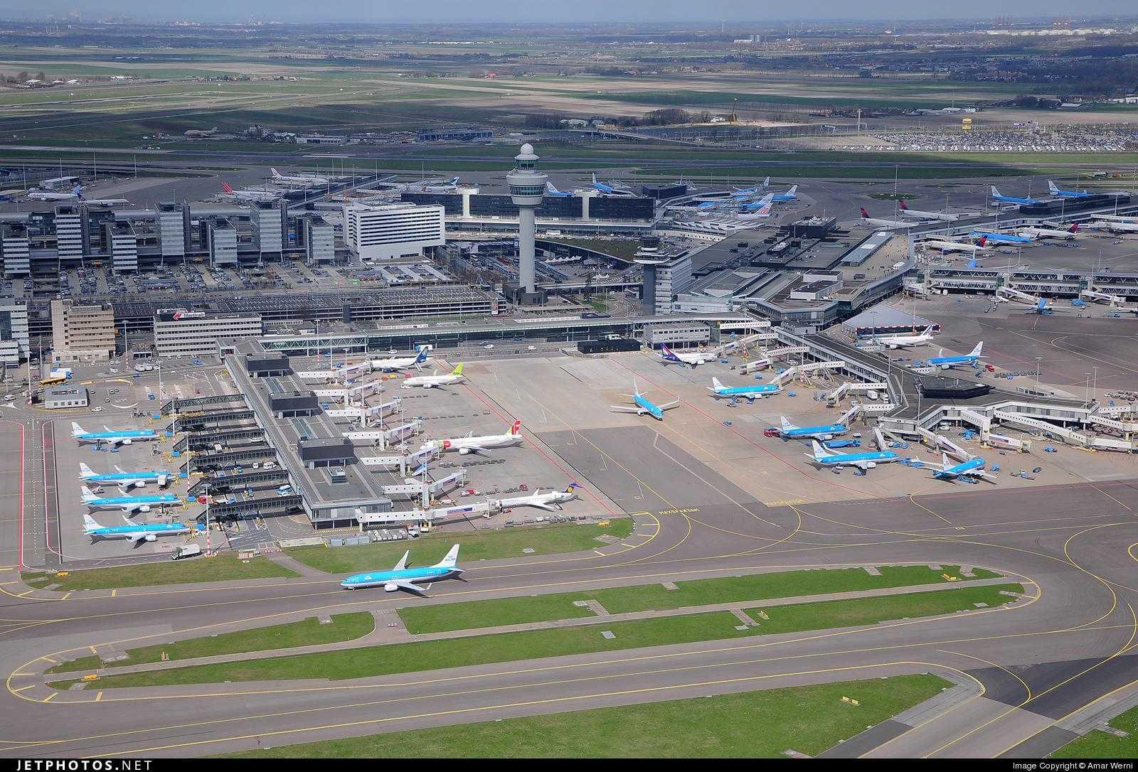 Aeroport-Schiphol-Amsterdam