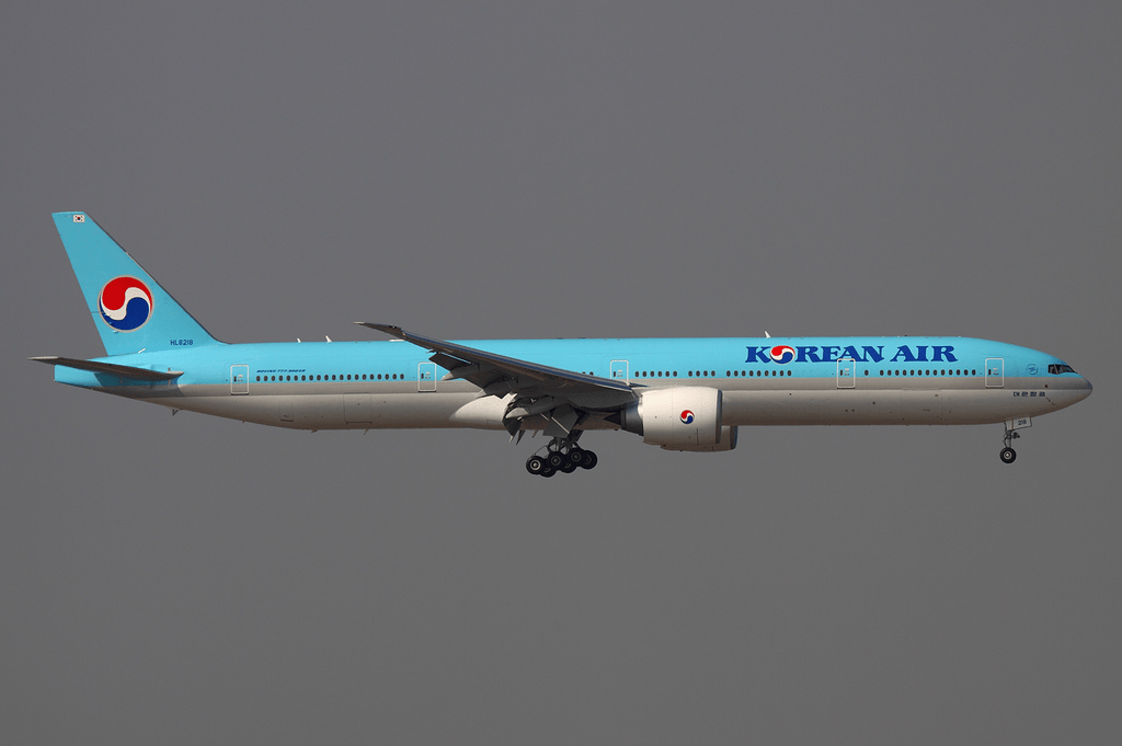 Korean_Air_Boeing_777-300ER