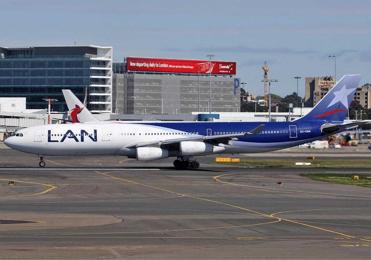 LAN_Airlines_Airbus_A340-300